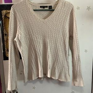 Long sleeved sweater
